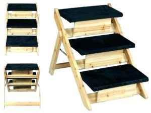 Обзор прикроватных ступенек для маленьких собачек: выбор лестницы на диван